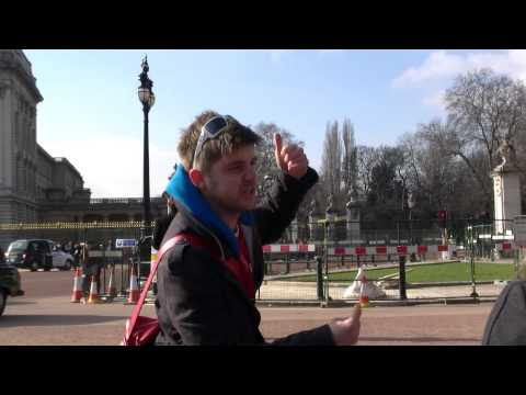 Three ways to enter buckingham palace . funny tour guide