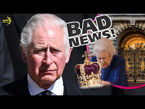 Prince charles became the first when unable to live at buckingham palace after ascending the throne?