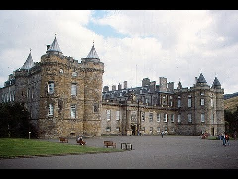 Places to see in ( edinburgh - uk ) palace of holyroodhouse