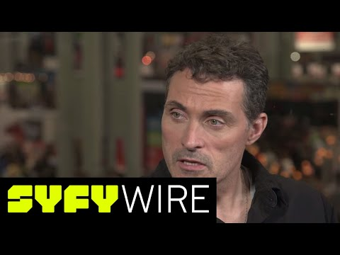 Man in the high castle cast on nazi's and the show's relevancy | new york comic-con 2017 | syfy wire