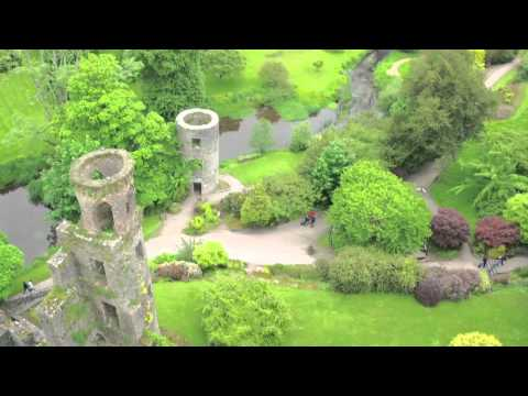 Ireland travel attractions - the blarney castle (kissing the blarney stone)