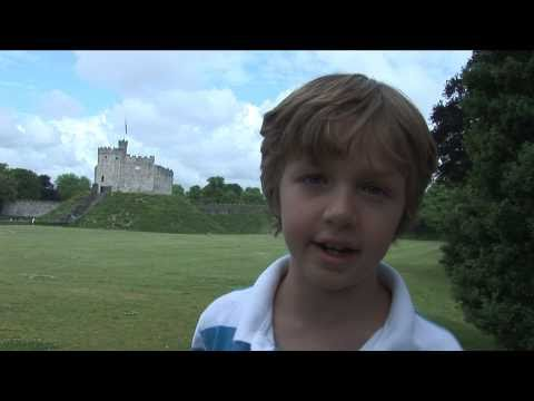 Cardiff castle wales // travel with kids wales