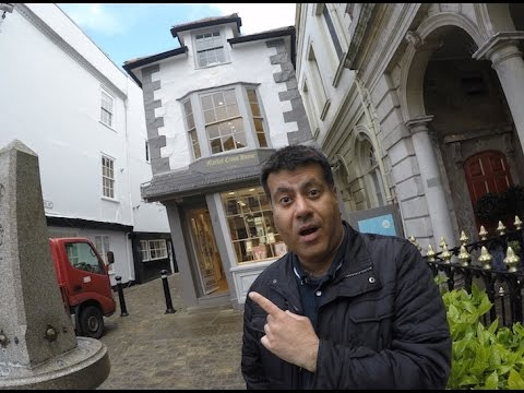 Crooked house in windsor !!!