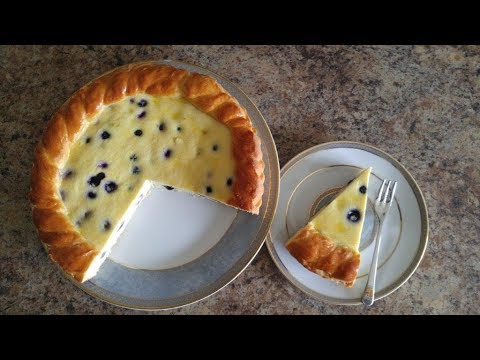 Cottage cheese pie for easter (romanian pasca with yeast raised dough and cottage cheese filling)