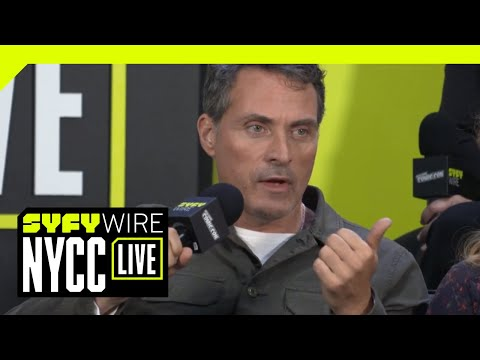 The man in the high castle cast and creators on season 3 | nycc 2018 | syfy wire